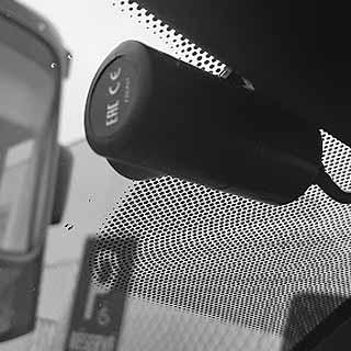 Montáž palubných kamier so záznamových zariadením (čierna skrinka)