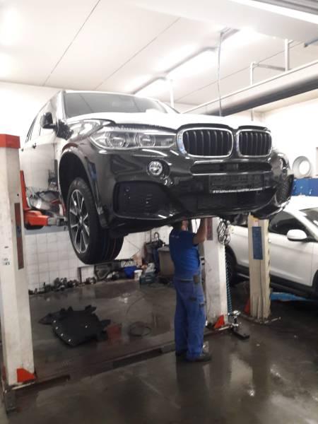 BMW X5 F15 montáž OEM sady nezávislého kúrenia